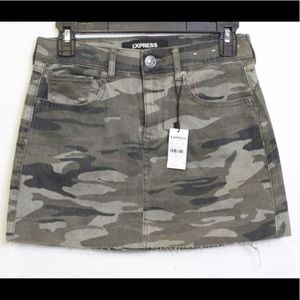 NEW EXPRESS Green Camouflage Straight Mini-Size 00